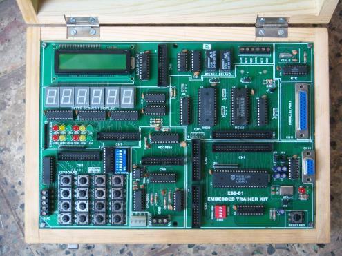 EMBEDDED TRAINER KIT FOR 51 FAMILY Model E89-01